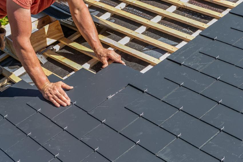 Płytki na ścianę i dach – materiał na dachu i ścianie, który nadaje budynkowi elegancki i nowoczesny wygląd