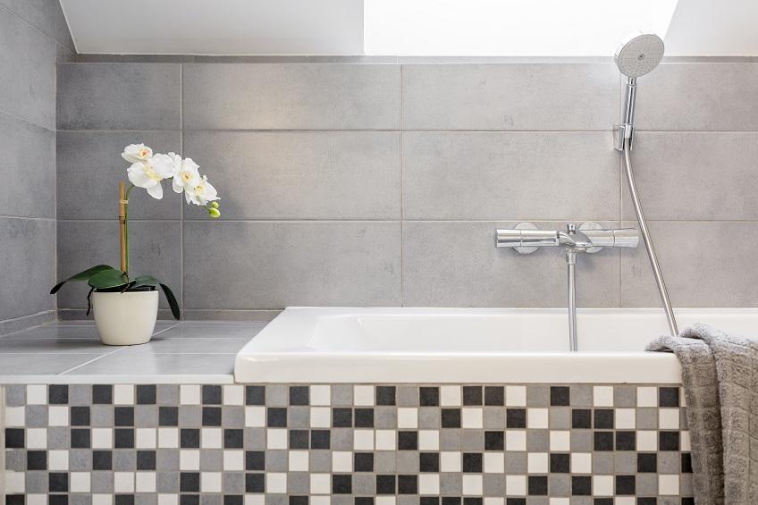 Płytki mozaikowe do łazienki i kuchni – mozaiki szklane, ceramiczne i kamienne