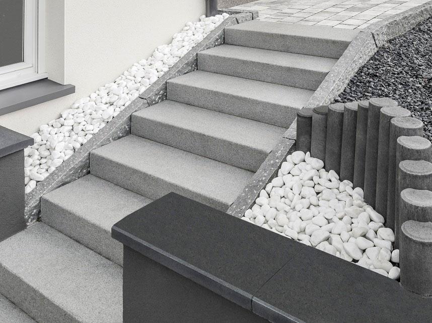 kamień na schodach na tarasie