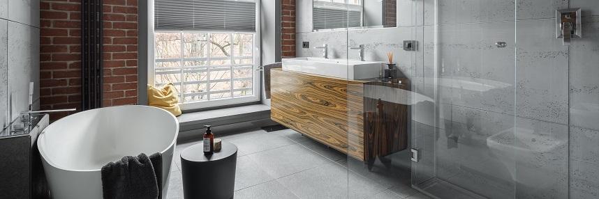 Modne wnętrze łazienki w chłodnym minimalistycznym stylu